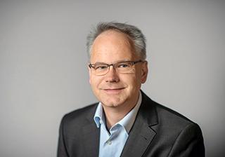 Portrait Carsten Knob, Chefredakteur der digitalen Produkte der Frankfurter Allgemeinen Zeitung fotografriert im Studio am Freitag, den 5. April 2019.